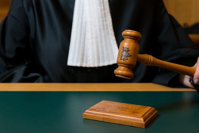Hongaar (42) veroordeeld tot jaar cel voor diefstallen in Vijlen
