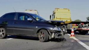 Bestuurder raakt gewond bij eenzijdig ongeval op A77