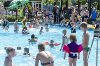 Tropisch weer betekent volle zwembaden: hoe gaat dat met corona?
