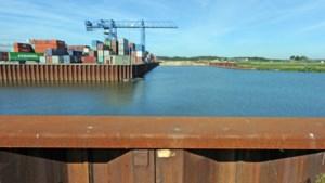 Halte haven Wanssum: een metrolijn op het water