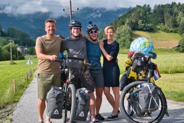 Maastrichts duo reist per fiets de wereld rond: 'Wachten op nieuwe velgen'