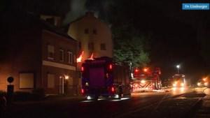 Video: Uitslaande brand in pand in Cadier en Keer