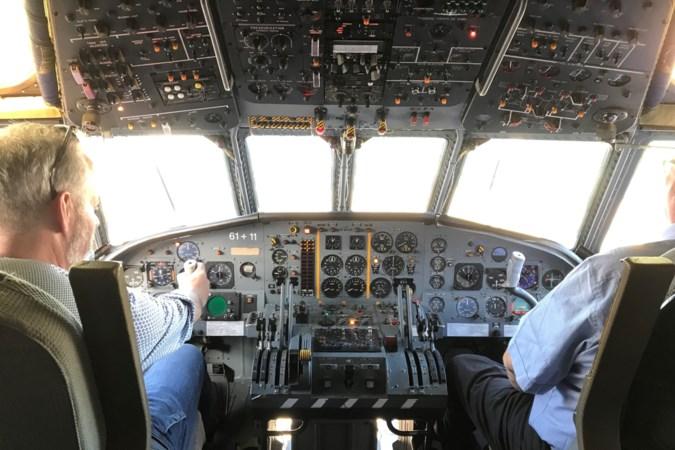 Vliegtuigen spotten bij 'aerodome' in Baarlo