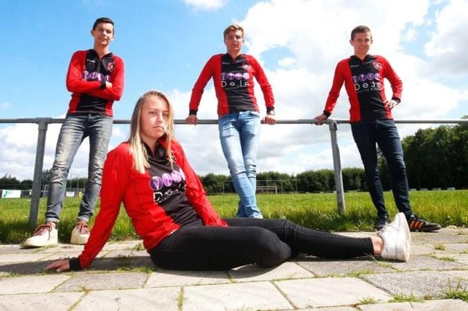 Uniek in Nederland: vrouw voetbalt bij vierdeklasser in eerste mannenteam