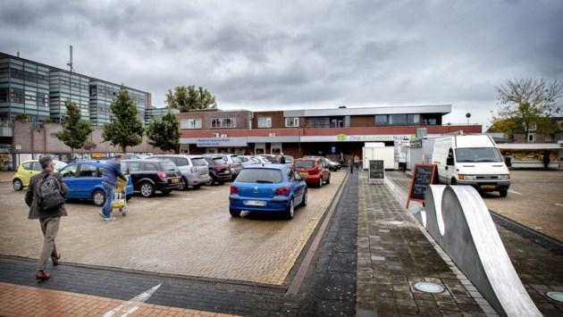 Omwonenden willen actie van gemeente Beekdaelen voor parkeerprobleem op de Markt in Nuth