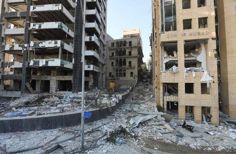 Beiroet ontwaakt in een bijna volledig verwoeste stad