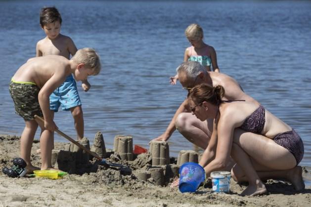 Zandkastelen bouwen in Reuver