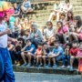 Amsterdams zomertheater laat kinderen in AZC Sweikhuizen weer lachen