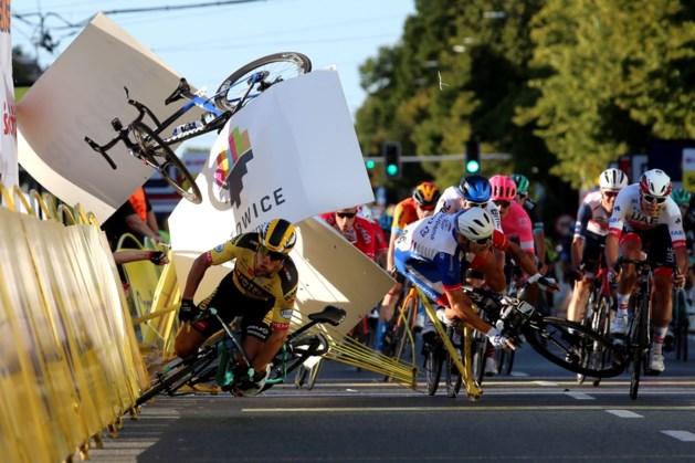 Afgrijselijke val Jakobsen na clash met Groenewegen in Ronde van Polen