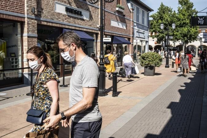 Straks verplicht mondkapje in Designer Outlet Roermond: 'Ik laat mij niet wegjagen'