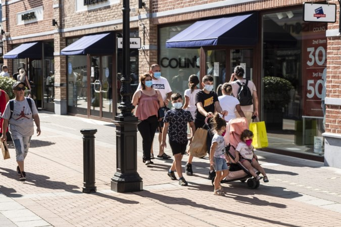 Zorgen over corona-ontwikkelingen in Outletcenter Roermond na sluiting winkels