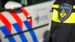 Auto rijdt door na aanrijding scootmobiel in Sittard