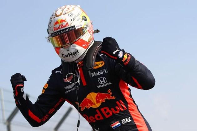 Weergaloze Verstappen zegeviert in GP van Silverstone