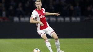 Perr Schuurs leert van Bogarde en wil kans grijpen bij Ajax
