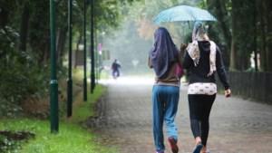 Man en vrouw opgepakt in azc Gilze voor overgieten lesbische vrouw met kokend water