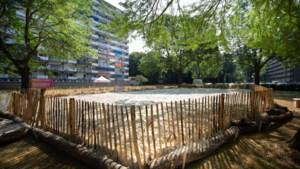 'Geleen a la Playa' zorgt voor vakantiegevoel in de voortuin van de flat