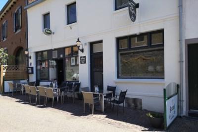 Stamgasten willen Urmonds café de winter door helpen