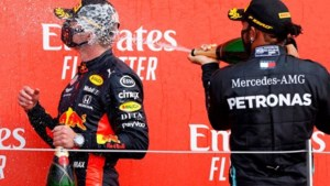 Ook Mercedes geniet van Verstappen: 'We houden van de strijd'