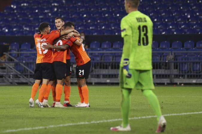 Sjachtar kegelt Van der Werff en Van Wolfwinkel met FC Basel uit Europa League