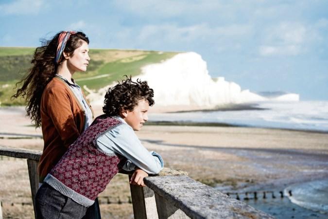 Filmrecensie 'Summerland': drama dat in hapklare porties wordt opgediend