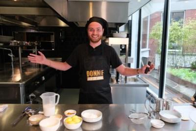Rapper Donnie droomt na kookshow van een snackbar