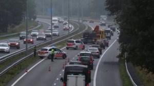 Politie lucht hart over asociaal gedrag op A73 na ongevallen