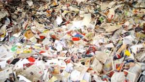 Autopech vuilniswagen: oud papier in delen van Stein niet opgehaald