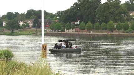 Video: Lichaam van drenkeling in Maas gevonden
