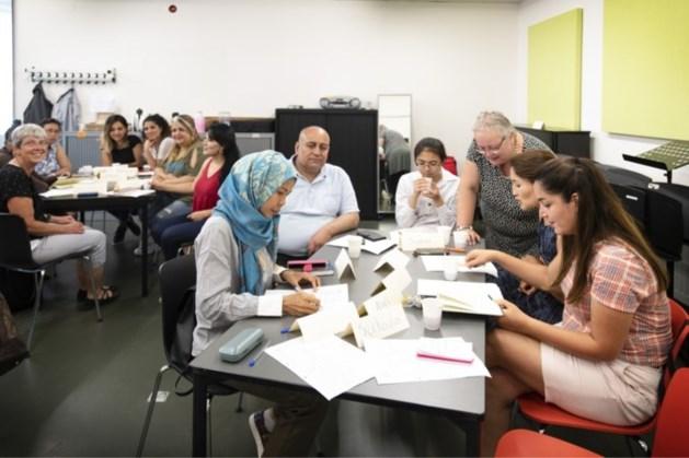 Volwassenen kunnen naar biblotheek Kerkade om lezen en schrijven te leren