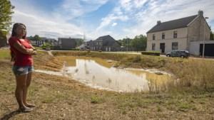 Bewoners Erensteinerstraat in Kerkrade willen actie van gemeente na wateroverlast bij hoosbuien