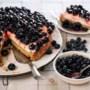 Recept: Blauwebessentaart met monchou van Oma Annie