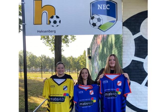 Drieling in één vrouwenteam: 'Zonder voetbal zouden we geen zussen zijn'
