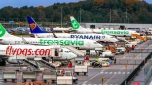 Jongens van 17 weigeren mondkapje op te doen tijdens vlucht naar Eindhoven Airport