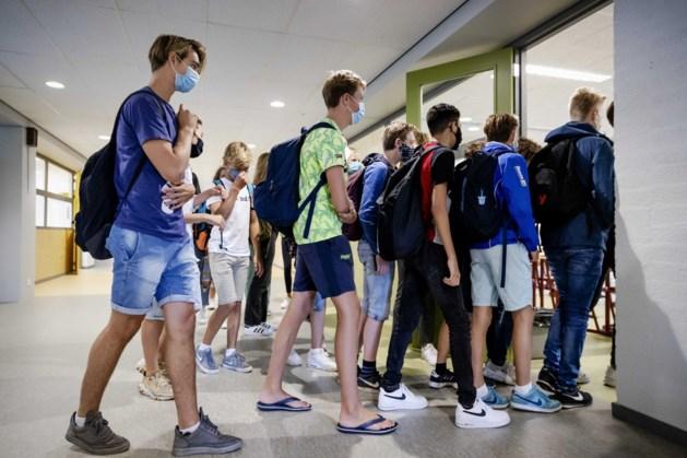 Oproep schoolbestuur Venlo: draag mondkapjes in gangen