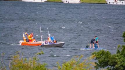 Personen te water na aanvaring tussen twee recreatieve zeilboten in Roermond