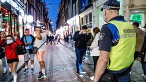 Boa's in Amsterdam delen 148 boetes uit voor niet dragen mondkapjes
