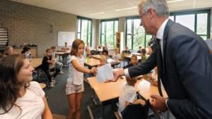 Minister Slob bij start schooljaar in Venlo: 'Gelukkig praat hij niet met dure woorden'