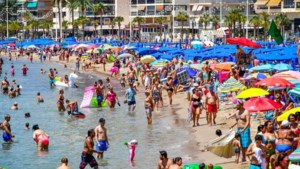 Klap voor toerisme: heel Spanje en nieuwe delen Frankrijk op oranje