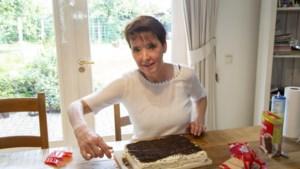 Keukskeskook, pletskeskook of koekjeskoek: deze no-bake cake is al decennia een hit