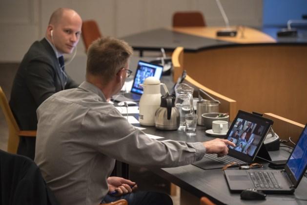 Debat over praten via scherm versus fysiek samenkomen