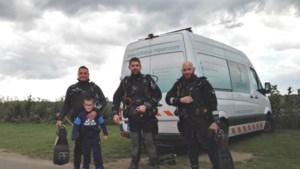 Duikers stuiten op zwaar oorlogstuig in de Maas bij Elsloo