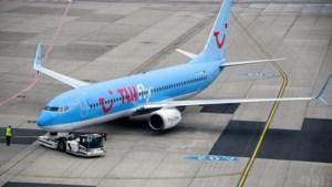 Zestien passagiers besmet op 'debaclevlucht' TUI uit Griekenland: 'We zijn erg boos'