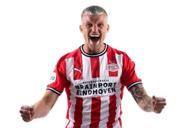 PSV bevestigt transfer Philipp Max, die tot 2024 heeft getekend
