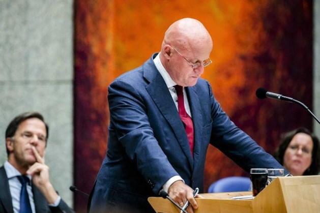 Grapperhaus mag blijven na rel rond bruiloft, Rutte staat pal achter minister