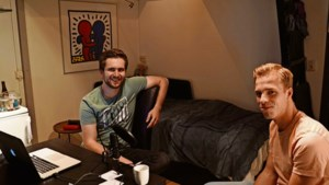 Kesselse student Sjoerd zit met 32 (!) huisgenoten in quarantaine : 'Dit leggen we vast voor ons nageslacht'