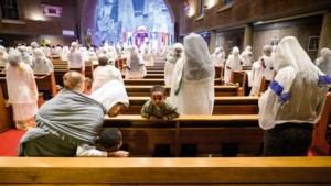 Foto van de week: Eritreeërs vieren kerkdienst in Tewahedokerk te Weert