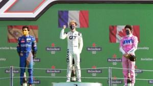 Gasly zegeviert in knotsgekke GP van Italië, Verstappen haalt finish niet