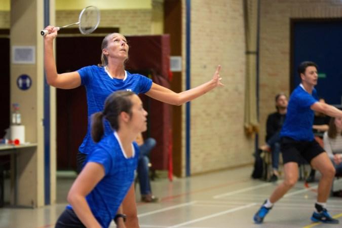 Roosterse maakt bij competitiestart gehakt van studenten uit Groningen