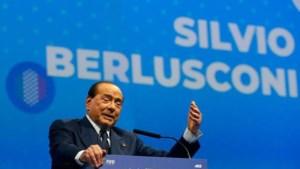 Italiaanse oud-premier Berlusconi (83) aan beterende hand na besmetting coronavirus