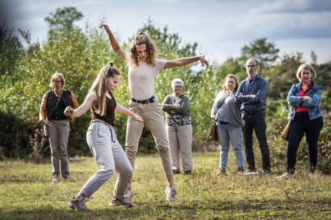 Dansvoorstellingen van Arcense Sarah Soethoudt in Noord-Limburgse natuur